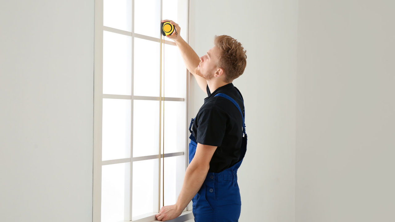 company hired for replacing windows