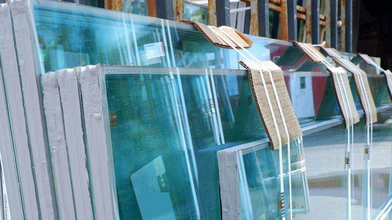 multiple glass panes with multifuctional glasses for wooden windows